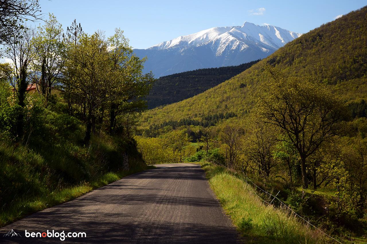 Le Canigou depuis la vallée de la Castellane